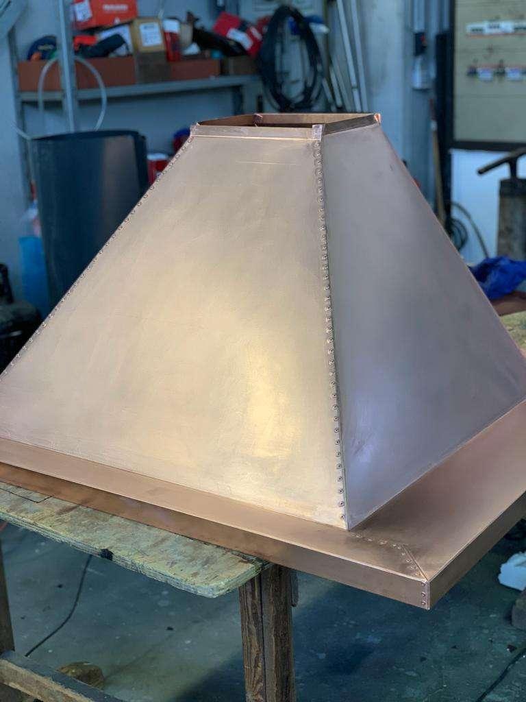 riproduzione e restauro di manufatti metallici cappa rivettata