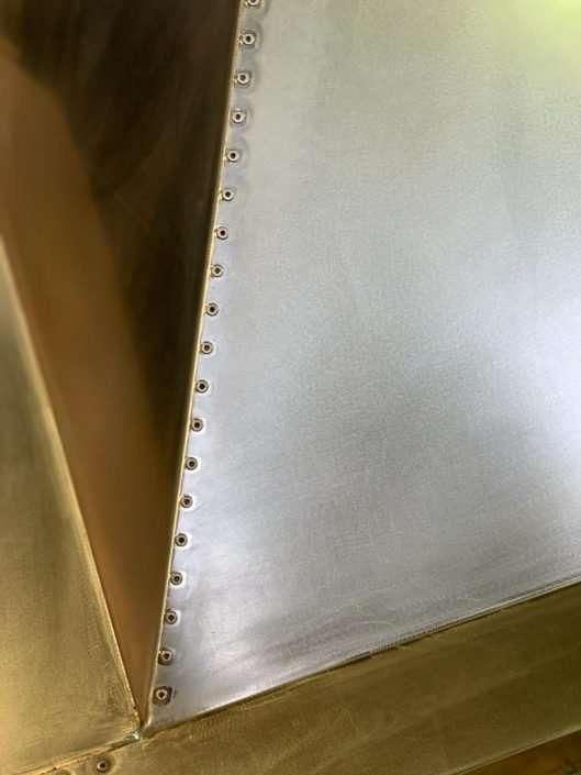 riproduzione e restauro di manufatti metallici cappa rivetti